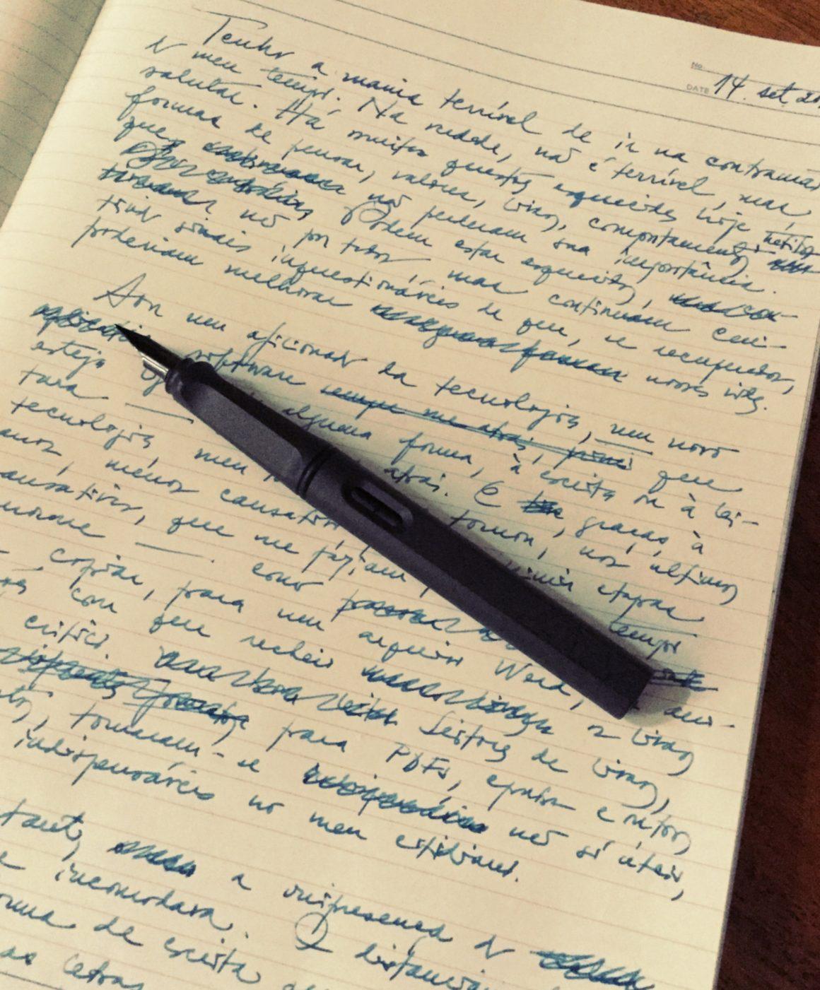 papel e caneta-tinteiro